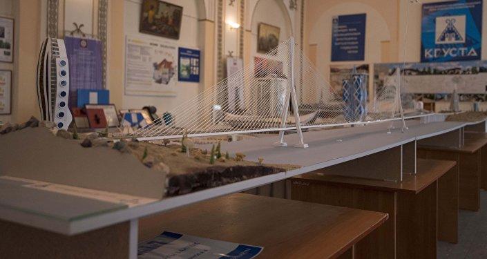 Студент сделал макет моста через Токтогулку Стоимость проекта  Проект разработан для защиты дипломной работы