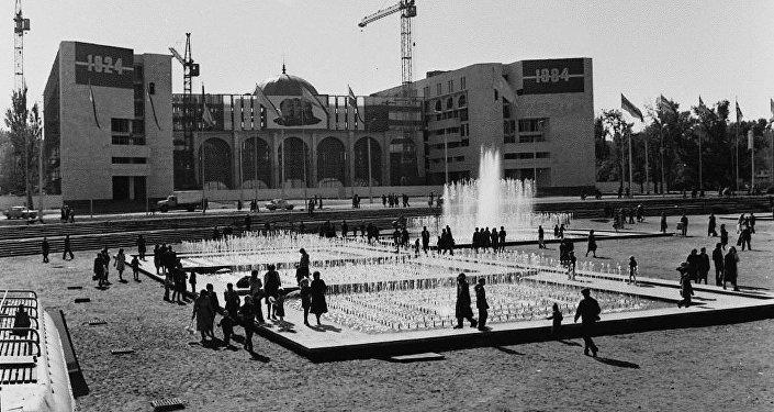 Как менялась столица последние 80 лет. Архивные фото
