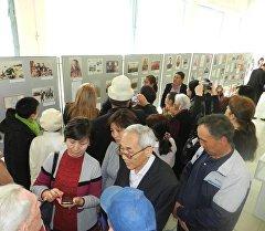 Михаил Фрунзе атындагы кыргыз мамлекеттик музейинде Эч качан унутпайбыз аттуу көргөзмөнүн ачылышы