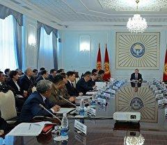 Президент Алмазбек Атамбаевдин төрагалыгы алдында Коргоо кеңешинин жыйыны