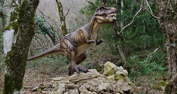Макет динозавра. Архивное фото