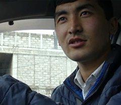 Интернеттеги таксист эмне үчүн карыяларды акысыз жеткирип жатканын түшүндүрдү