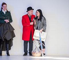 Кыргызстанка Аида Робертова стала обладателем Гран-при конкурса молодых профессиональных модельеров имени Надежды Ламановой.