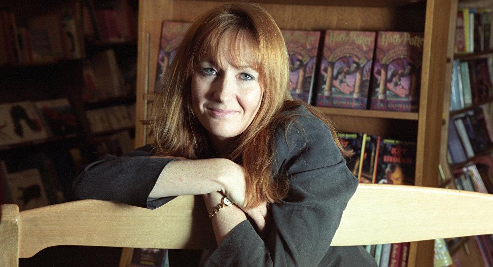 Джоан Роулинг извинилась засмерть Люпина вфинале «Гарри Поттера»