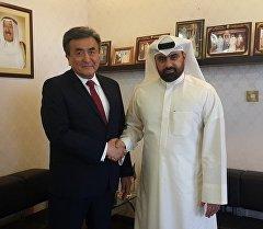 Посол КР в Кувейте Жусупбек Шарипов в ходе встречи с заместителем гендиректора госагентства по спорту этой страны Ахмадом Абдульраззак Аль-Кхазалем