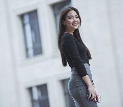Кыргызстандагы Instagram жылдызы Айжан Асемованын архивдик сүрөтү