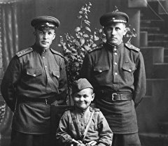Ветеран великой отечественной войны Павел Федоров(справа) с сыном полка