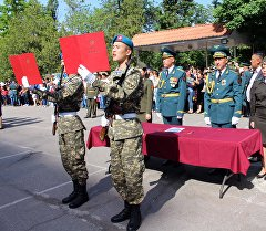 Бишкек шаарында Улуттук гврадиянын жоокерлери ант берди.