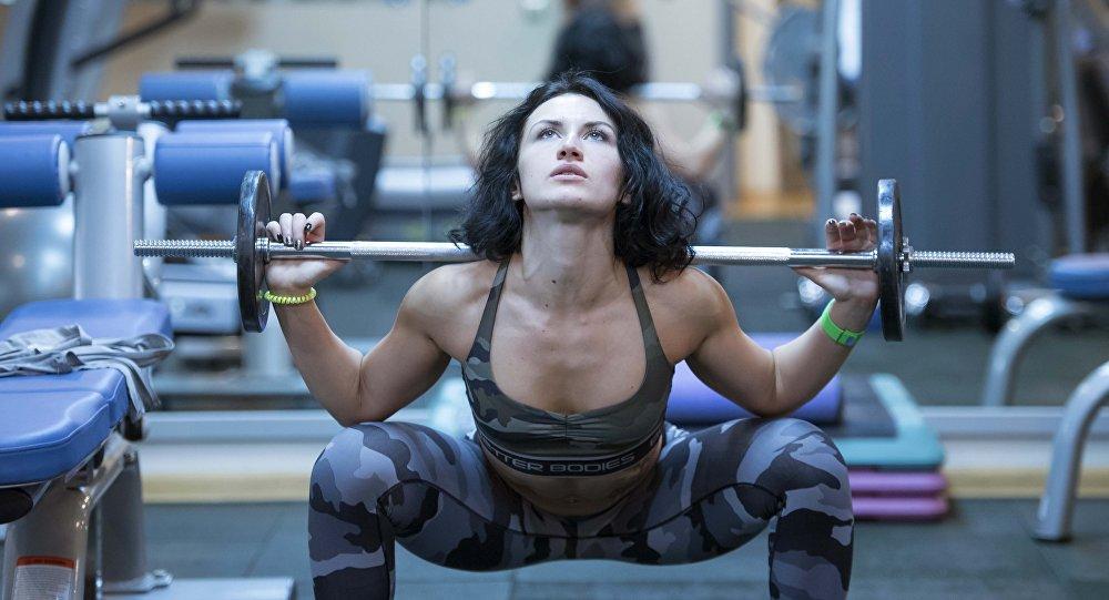 Уменя мускулистое женское тело фото 783-719