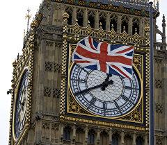 Государственный флаг Великобритании на фоне Биг-Бена. Архивное фото