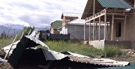 Снесенные крыши и поваленные деревья. Последствия шторма в Баткене