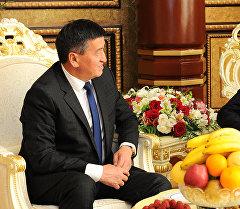 Премьер-министр Сооронбай Жээнбеков тажик кесиптеши Кохир Расулзада менен Душанбе шаарында болгон жолугушуусунда