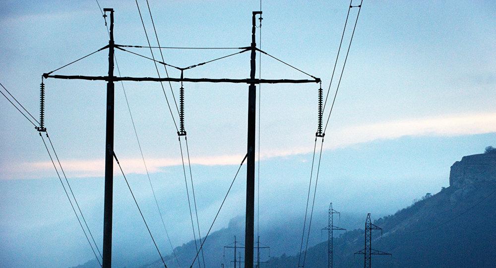 Высоковолтьные линии электропередач. Архивное фото