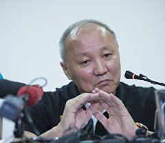 Экс-мэр Бишкека Нариман Тюлеев во время пресс-конференции для журналистов. Архивное фото