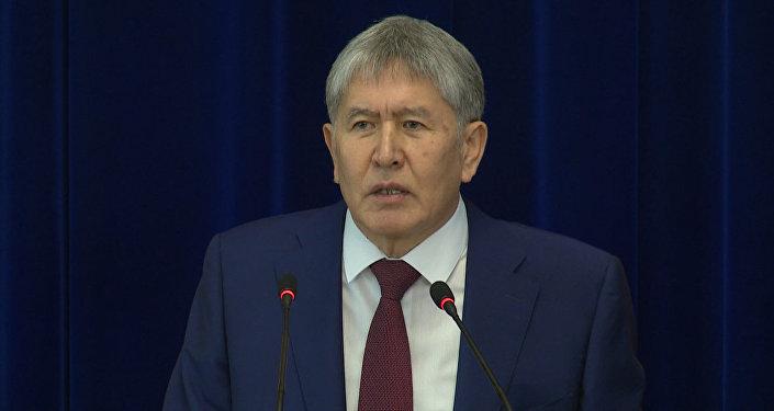 Атамбаев о дерьмократии, Народном парламенте и своей отставке