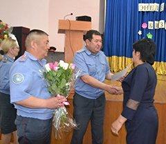 В Академии МВД КР поздравили матерей курсантов