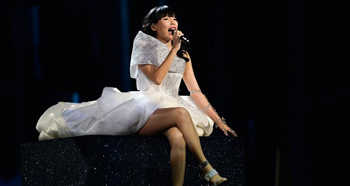 На втором месте – представительница Австралии Дами Им с песней Sound of Silence, которая получила 511 баллов.