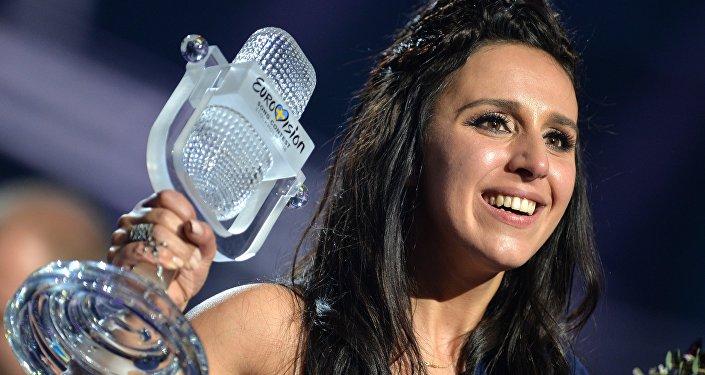 Впервый раз на«Евровидении»: конкурсантку позвали замуж впрямом эфире
