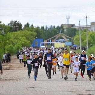 Архивное фото марафонистов