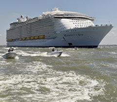 Самое большое в мире круизное судно Harmony of the Seas. Архивное фото