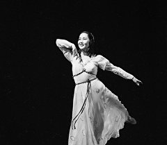 Балерина Бүбүсара Бейшеналиеванын архивдик сүрөтү