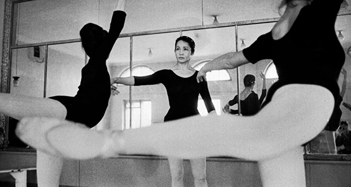 Кыргыздын белгилүү балеринасы Бүбүсара Бейшеналиева. Архив