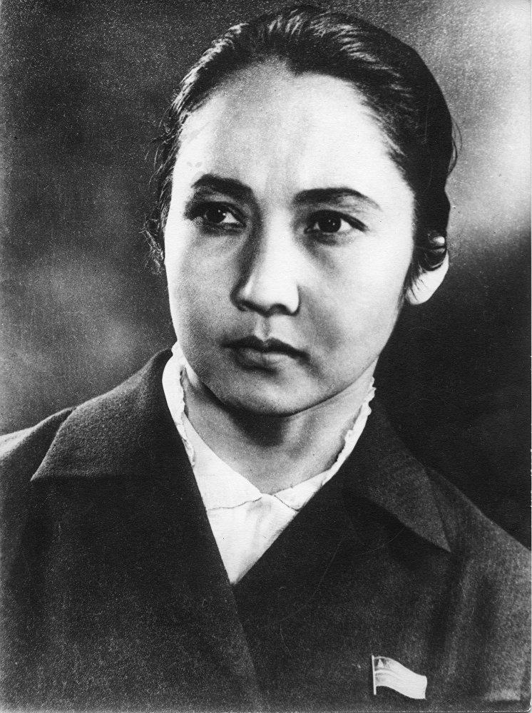 Бубусара Бейшеналиева скончалась 10 мая 1973 года после продолжительной болезни