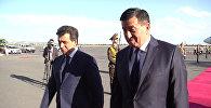Премьер Жээнебеков прошел по красной дорожке в аэропорту Еревана