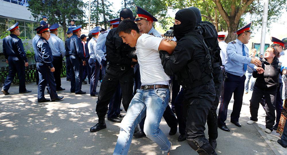 ВМВД Казахстана назвали «недоразумением» задержание репортеров