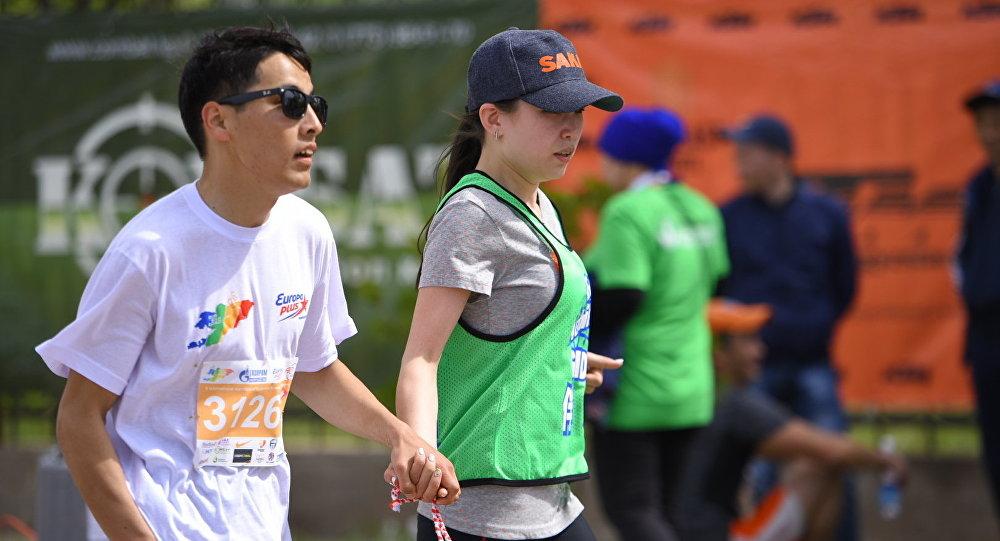 Азиз Жумадилов Ысык-Көл облусунда өткөн Run The Silk Road марафонунда