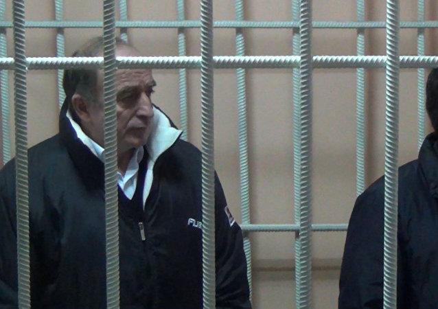 Экс-руководитель аппарата президента Данияра Нарымбаева и бывший депутат Хаджимурат Коркмазов. Архивное фото