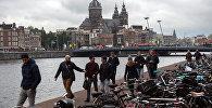 Амстердам көчөсүнө көрүнүш. Архив