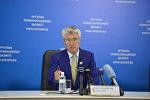 Казакстандын маданият жана спорт министри Арыстанбек Мухамедиулынын архивдик сүрөтү