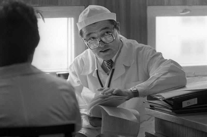 Врач-терапевт, директор Научно-исследовательского института кардиологии при МЗ КР М. Миррахимов