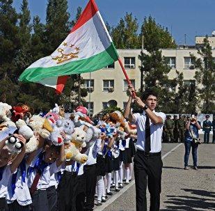 Школа в Душанбе. Архивное фото