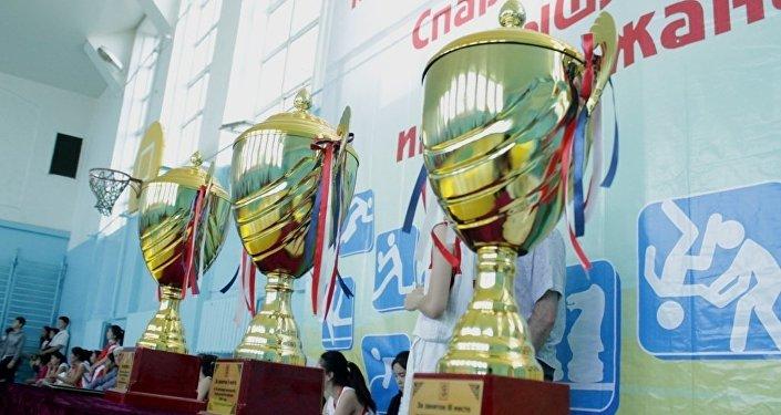 Өлкө мектептеринин окуучуларынын арасында жыл сайын өтүүчү спартакиадада Бишкек, Чүй жана Көлдүн окуучулары жеңишке ээ болду