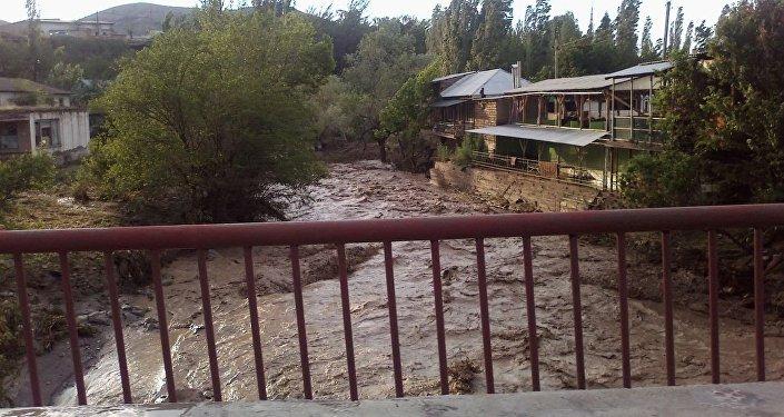 Сель унес жизни пятерых человек в Кадамджайском районе Баткенской области