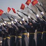 Мекенди коргоочулар күнүнө карата Улуттук гвардиянын аскердик бөлүгүндө жогорку класстын окуучулары үчүн Ачык эшик күндөрү өттү