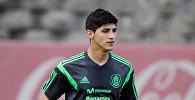 Футболист сборной Мексики Алан Пулидо во время тренировок в Мехико. Архивное фото