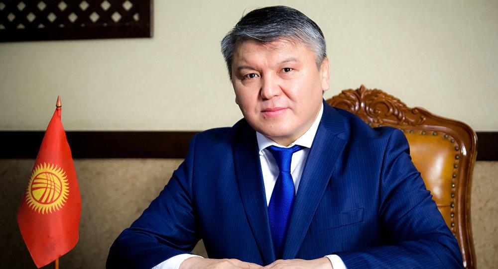 Мурдагы экономика министри Арзыбек Кожошев. Архивдик сүрөт