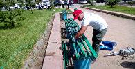 Бишкекте Максим Горький атындагы сквер оңдолууда.