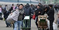 Мигранты в Москве. Архивное фото