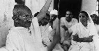 Индиянын улуттук-боштондук кыймылынын лидери Махатма Гандинин архивдик сүрөтү