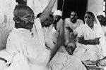 Индиялык улуу гуманист жана агартуучу Махатма Ганди. Архив