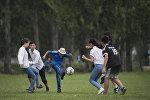 Футбол ойногон балдар. Архив