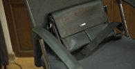 Портфель на стуле. Архивное фото