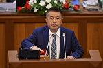 Жогорку Кеңештин төрагасы Чыныбай Турсунбековдун архивдик сүрөтү