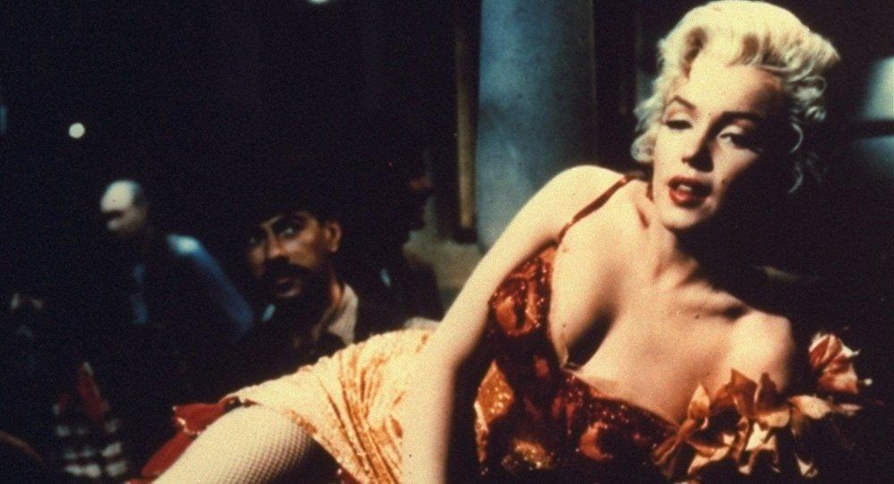 Архивное фото американской актрисы, певицы Мэрилин Монро