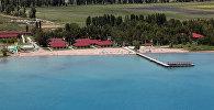 Тополи на берегу Иссык-Куля. Архивное фото