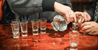 Алкоголики. Архивное фото